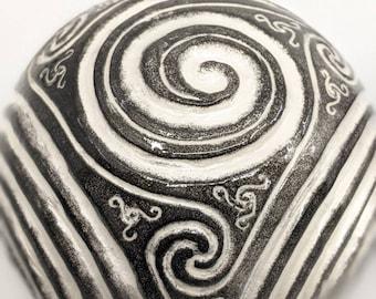 Spherical Triskelion Celtic Finger Labyrinth - Meditation Prayer Spiritual Art Stress Anxiety and Focus Therapy Newgrange Ireland Irish Gift
