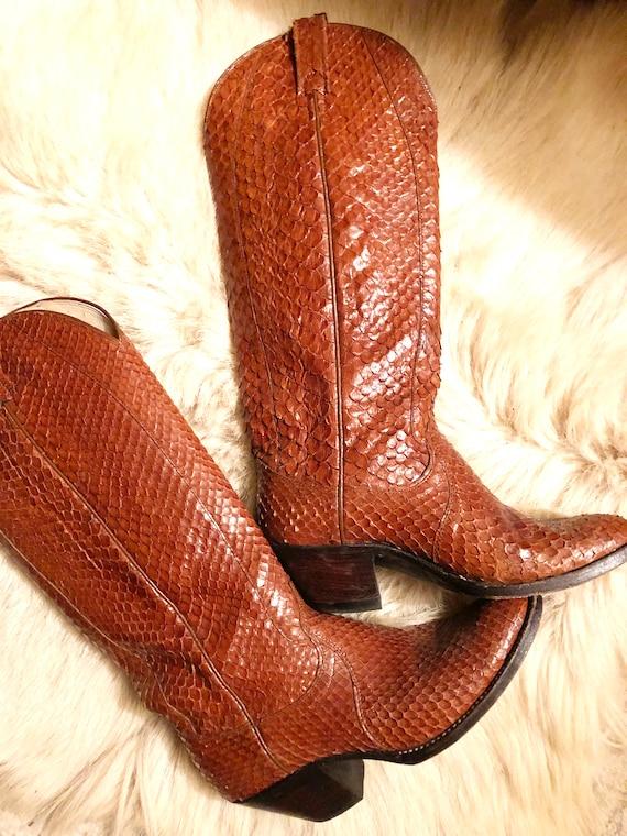 vintage Dan Post snakeskin boots // snakeskin cowb