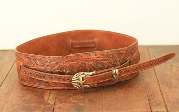vintage tooled mexican belt / tooled leather belt