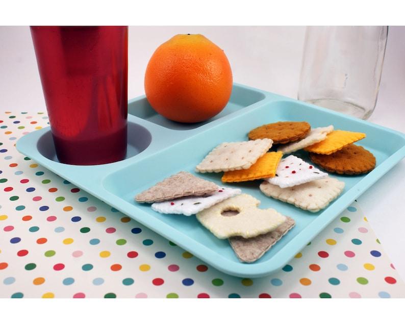 Pretend Kitchen Play Felt Cheese and Cracker Set 12-Piece Montessori Toy Play Food