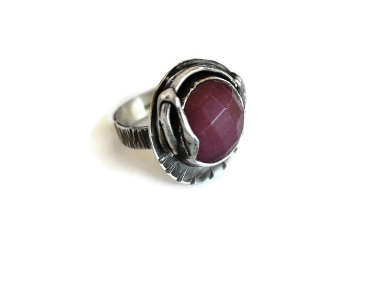 Oxidized Silver Ring,Cabochon Silver Ring,Jade Ring,Hammered Gemstone Ring