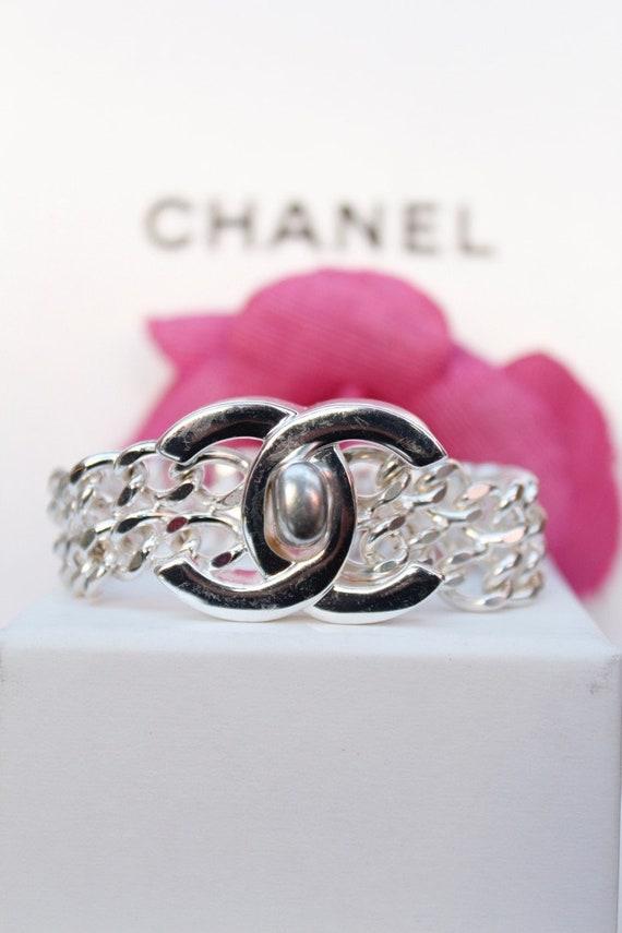 CHANEL Vintage CC turnlock bracelet