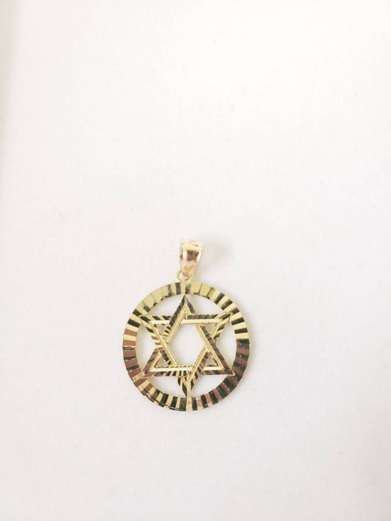Star of david in circle pendant