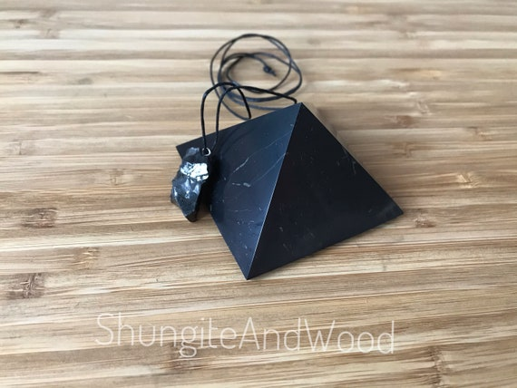 """Shungite  polished pyramid 60mm 6 pcs protection  against EMF  set 2.36/"""""""