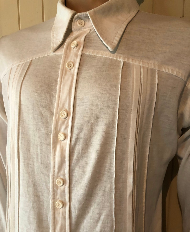 Vintage Classic White bodyshirt from the 1970s Pleats and tucks.