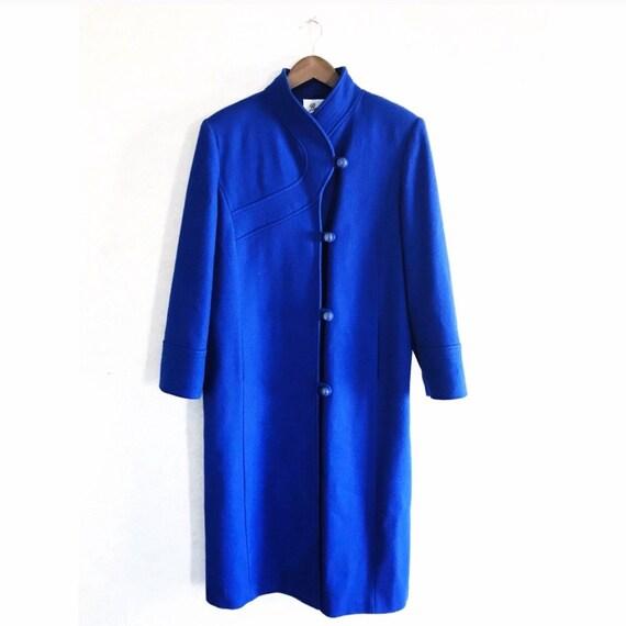 Vintage Beau Brem royal blue princess cut wool pea