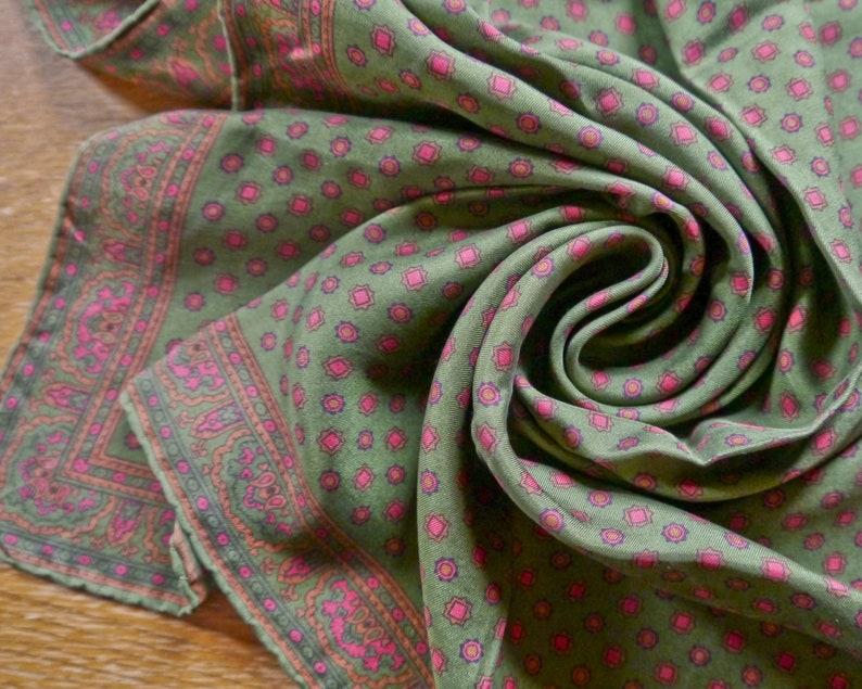 Vintage folklore neckerchief khaki green red burgundy patterned flowers floral art silk 70s-90s retro cloth