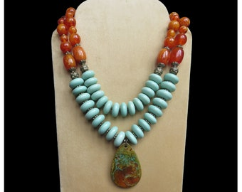 Yellow & Blue Bead Necklace, Fashion Jewelry, Bohemian Vintage, Pendant Necklace, Handmade Jewelry, Resin Bead Jewelry, Chunky Jewelry, Gift