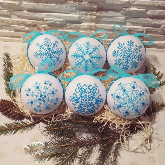 Set of 6 Christmas design with Snowflakes - Christmas ornaments for family Xmas tree - Handmade cross stitch embroidery decor