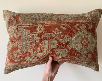 Antigue Oushak rug pillow,soft wool color rug pillow,Turkish ethnic rug pillow,rare patern rug pillow,home decorative pillow ag-32