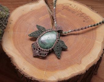 Leafy necklace / macrame necklace / stone necklace / gemstone necklace / necklace