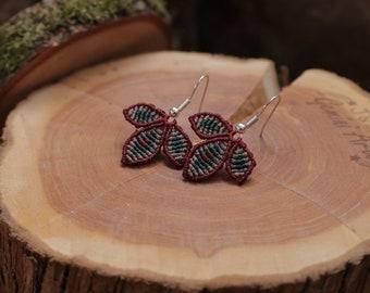 Macrame earrings small / flower earrings / petals earrings / macrame jewelry