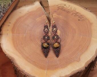 Tiger's eye macrame earrings / earrings with pendants / hanging earrings / macrame earrings