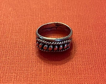 ONSALE Sterling Silver Handmade Ring Beadwork and Twisted Accents Vintage Jewelry
