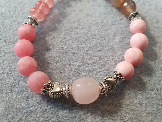 Rose quartz, the stone of love and friendship!