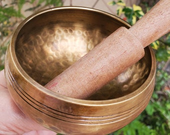 High Vibrational Hand Hammered Tibetan Singing Bowl, Easy to play Singing Bowl made in Nepal