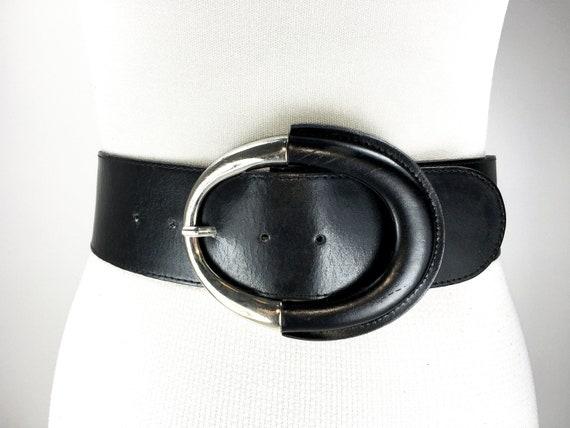 1980s 37''-41'' wide black leather belt for women