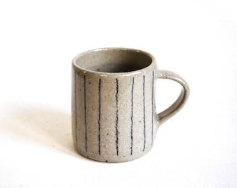 Handthrown ceramic stoneware mug/cup with unique minimal line detail tea