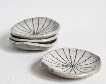 Handmade ceramic stoneware trinket dish / jewellery / ring holder / gift / condiment dish with minimal graphite pattern