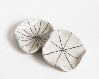 Handmade ceramic stoneware trinket dish / jewellery / ring holder with minimal graphite graphic detail