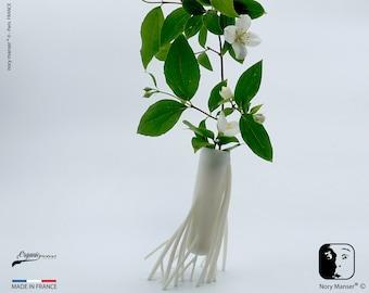 Soliflore vase of twigs and white roots Pot ikebana kenzan kakebana ikebana flower vase Bouquet of dry flowers
