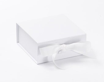 GIFT BOX Large WHITE Magnetic Keepsake /'Just For You/' Wedding Birthday /& Tissue
