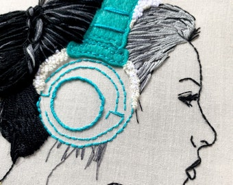 Victory\u4e28Framed WallDangling Hanging OrientalChinese Style Hand Embroidery Art Hoop\u4e28 Finished Gift