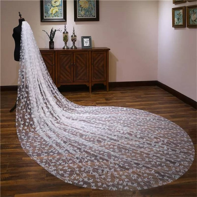 Cathedral Wedding Veil in ivory with Leaves /& Diamante-Bridal Veil,ivory Veil,Crystal Veil,Chapel Wedding Veil-Long Wedding veil with comb