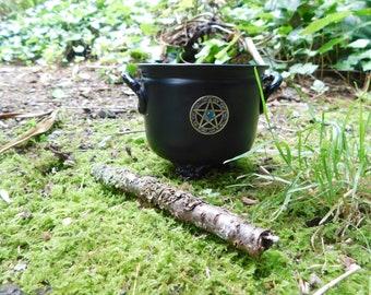 Cauldron Metal with pentacle charm 11cm