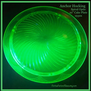 Vintage Anchor Hocking Footed Cake Plate Green Glass Spiral Optic Pattern Depression Glass Home Decor Green Kitchen 1920s Wedding Cake Stand