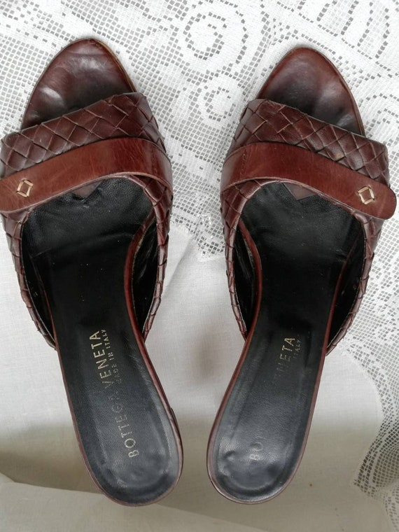 Vintage 90s Botega Veneta leather mules. Size 5. - image 2