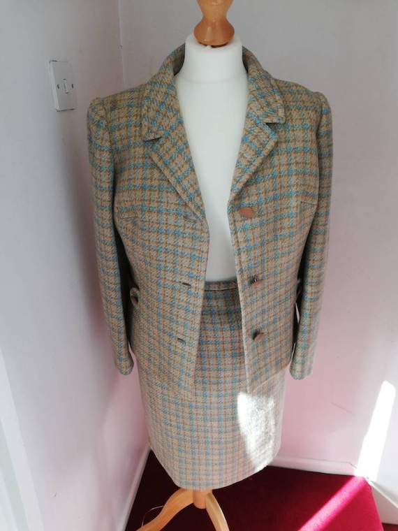 Lovely wool vintage two piece suit from 50s/60s. - image 2