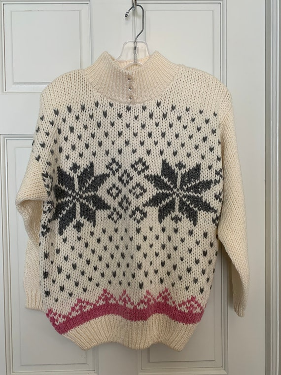Vintage Holiday / Winter / Christmas Sweater