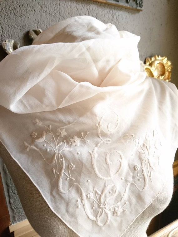 Vintage silk E hand embroidered scarf scarf scarf