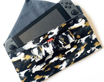 Handmade Nintendo Switch Case w/Game Slots and Zippered Pocket