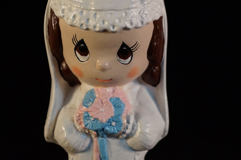 Wedding Vintage Adorable Ceramic Blushing Bride Statue with Long White Dress and Bouquet In Pink And Blue