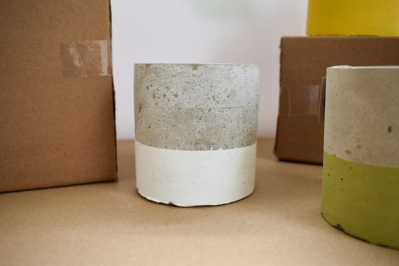 Handmade Concrete Pots - Round - Dipped White
