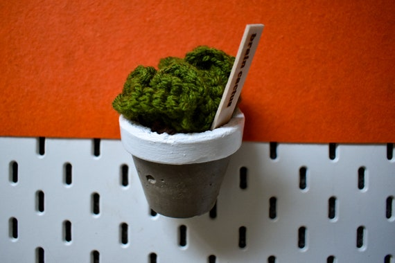 Large Crochet Brain Cactus/Succulent - Bright/Dark/Olive Green - White Concrete Pot