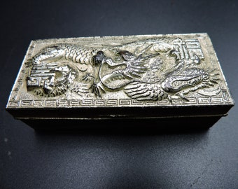 """NEW COLLECTIBLE FLYING DRAGON FOSSILIZED EGG TRINKET STACH BOX  HOLDER 5/"""" COOL"""
