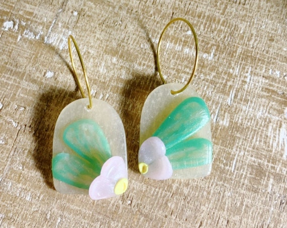 Delicate Flowers pink  green translucent  Statement Earrings l Resin Coated