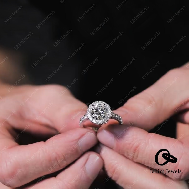 Sterling Silver In 14k white gold Over Halo solitaire with Accents Engagement /& wedding ring Round Cut 2.0 TCW D-E-F colorless Moissanite