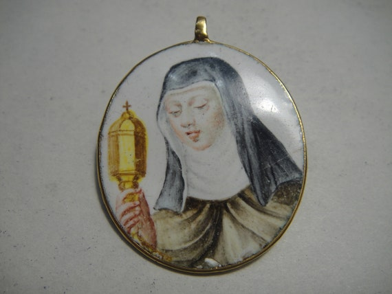 Antique gold pendant with polychrome enamel