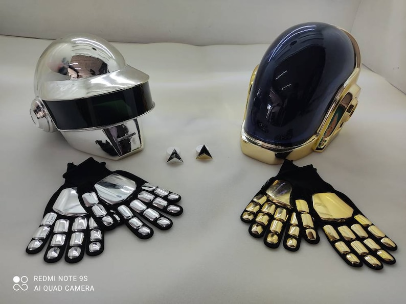 Kit Guy Manuel & Thomas bangalter Helmets Daft Punk gloves and image 0