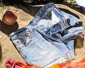 Vtg Levi 39 s cut off shorts, Size 8 10 Denim booty shorts, Waist 30 quot Faded Denim, Vintage Cut Offs, Women 39 s Distressed Frayed Cut-offs