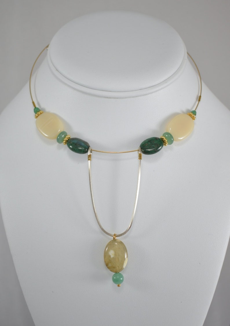 woman/'s necklace wedding necklace prom necklace Delicate women/'s choker natural stone cream green and yellow