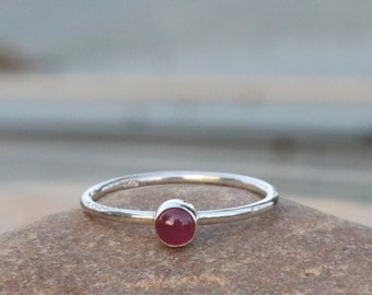 925 Sterling Silver July Birthstone Star Ruby Ring Natural Ruby Oval Cabochon Solitaire Ring Claw Setting Ring Ruby Gemstone Ring