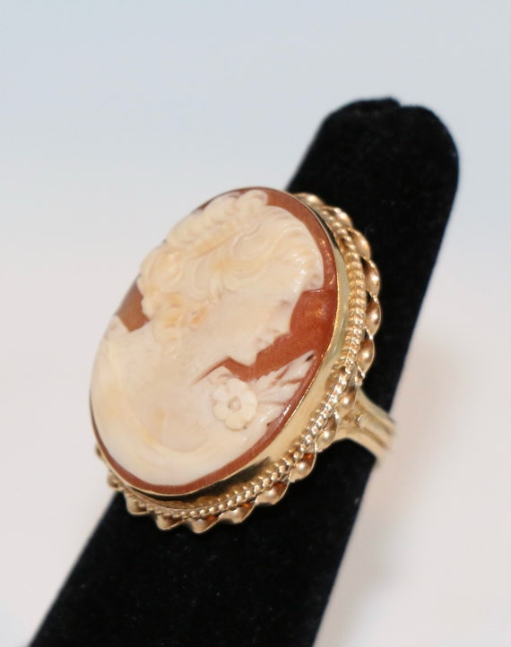 14K Gold Cameo Cocktail Ring