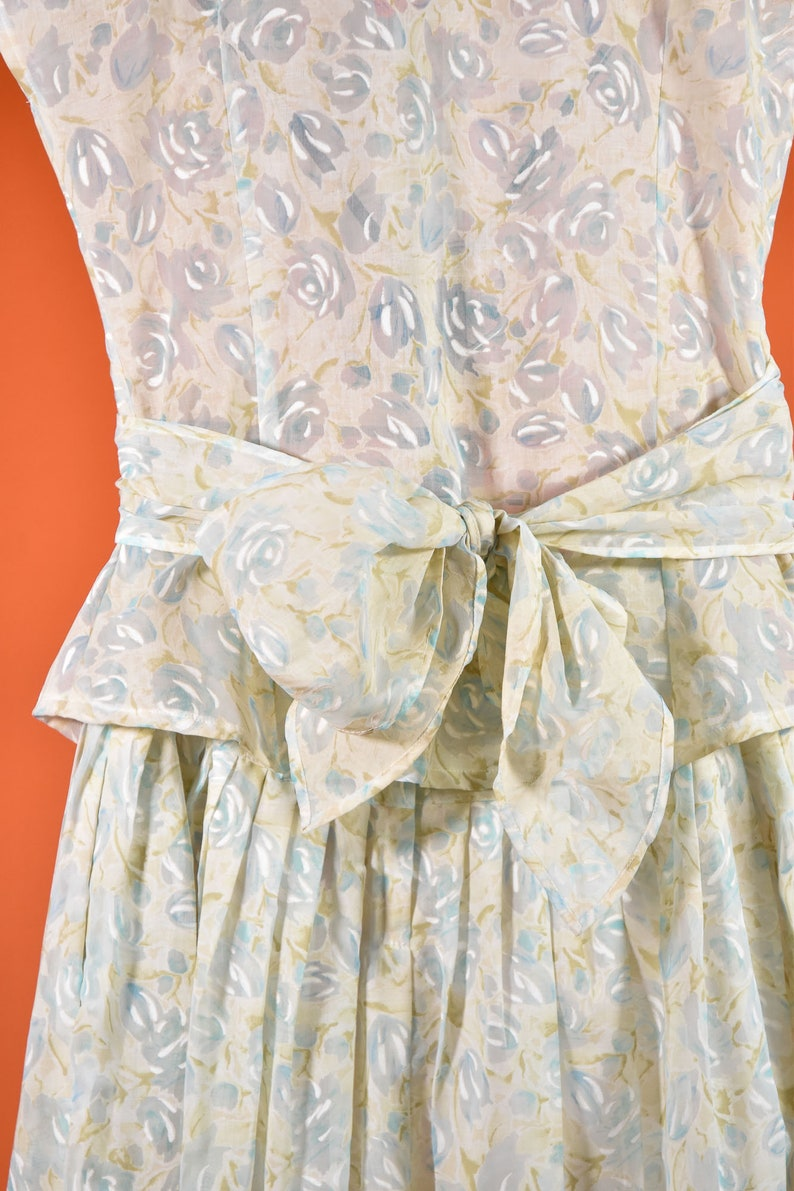 Blue /& Cream Floral Two Piece Set 1980s does 1940s