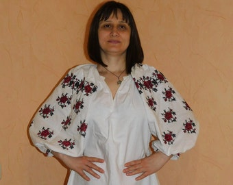 Antique Ukrainian Vyshyvanka Dress Embroidery with Flowers \u30a6\u30af\u30e9\u30a4\u30ca\u523a\u7e4d