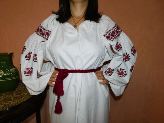 Ukrainian traditional red vyshyvanka vintage| ukr… - image 1